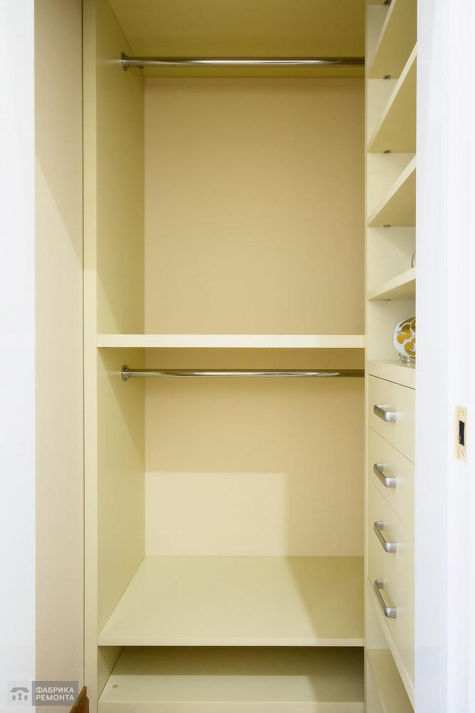 Хозяйская спальня. Встроенная мебель по индивидульному заказу.